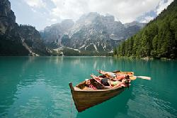 Lago di Braies (a 85 Km)
