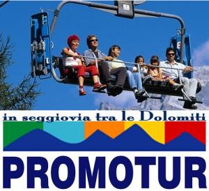 In seggiovia con vista sulle Dolomiti